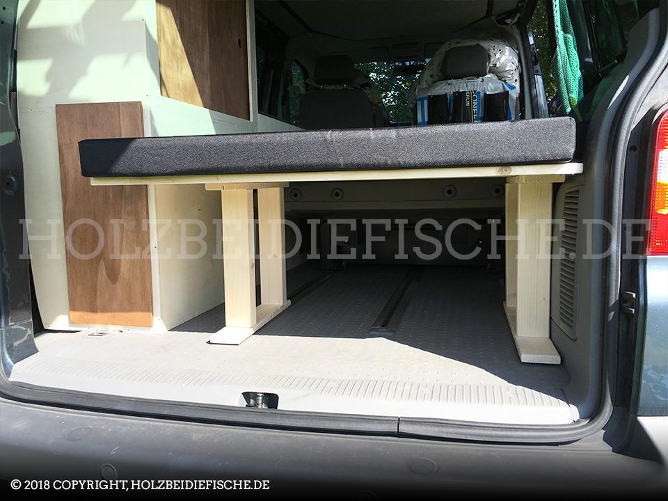 vw-bus-innenausbau-schrank-liegeflaeche-03